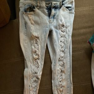 Ripped jeans, acid wash